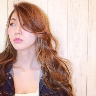 グラデーションカラー パーマ フェミニン 外国人風 ヘアスタイルや髪型の写真・画像