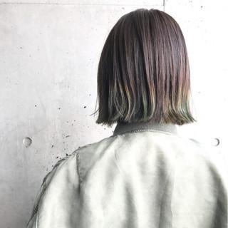 外ハネ ストリート カーキ 個性的 ヘアスタイルや髪型の写真・画像