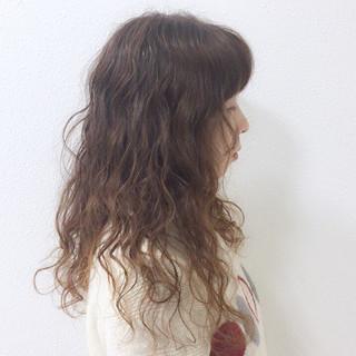 ロング アンニュイほつれヘア ナチュラル ゆるふわ ヘアスタイルや髪型の写真・画像