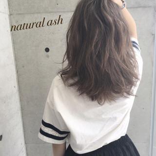 アッシュ 渋谷系 ガーリー セミロング ヘアスタイルや髪型の写真・画像