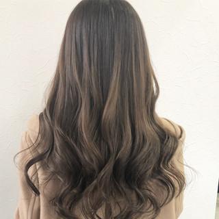透明感カラー ハイライト ロング グレージュ ヘアスタイルや髪型の写真・画像