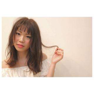 大人かわいい ミディアム 外国人風 ストレート ヘアスタイルや髪型の写真・画像