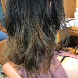 ロブ ミディアム ダブルカラー グラデーションカラー ヘアスタイルや髪型の写真・画像