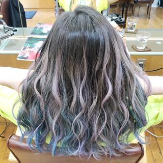 グラデーションカラー 外国人風カラー セミロング フェミニン ヘアスタイルや髪型の写真・画像