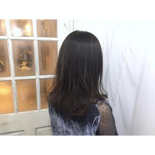 ロング グレージュ ブルージュ ストリート ヘアスタイルや髪型の写真・画像