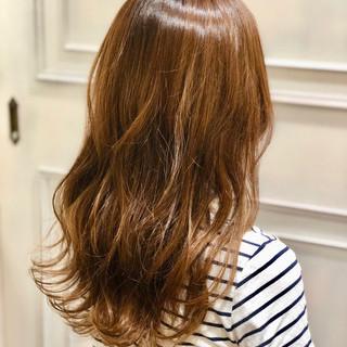 大人女子 デート 波ウェーブ ロング ヘアスタイルや髪型の写真・画像 ヘアスタイルや髪型の写真・画像