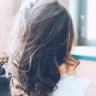 女子力 セミロング フェミニン ウェーブ ヘアスタイルや髪型の写真・画像