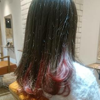 ピンク 透明感 レッド ブルージュ ヘアスタイルや髪型の写真・画像
