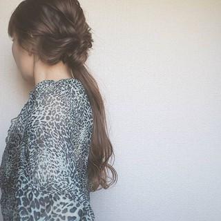 ローポニーテール ヘアアレンジ ポニーテール 大人女子 ヘアスタイルや髪型の写真・画像 ヘアスタイルや髪型の写真・画像