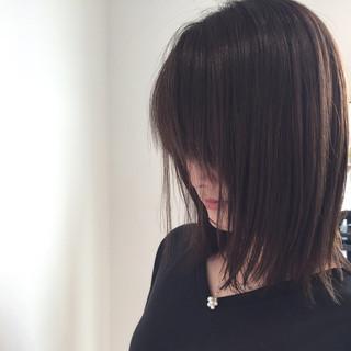 リラックス デート 艶髪 切りっぱなし ヘアスタイルや髪型の写真・画像
