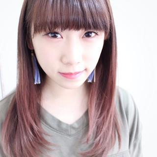 前髪パッツン ピンク ストレート ベージュ ヘアスタイルや髪型の写真・画像