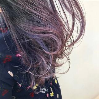 ラベンダーピンク ラベンダーグレージュ 暖色系グレージュ ミディアム ヘアスタイルや髪型の写真・画像