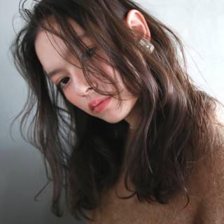 ミディアム ナチュラル 外国人風 暗髪 ヘアスタイルや髪型の写真・画像
