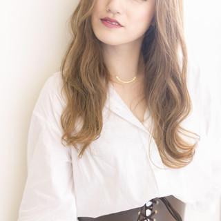 デート ロング ナチュラル 斜め前髪 ヘアスタイルや髪型の写真・画像 ヘアスタイルや髪型の写真・画像