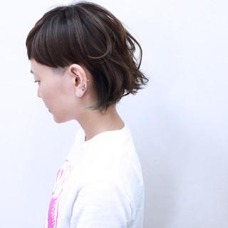 ショート モード インナーカラー 暗髪 ヘアスタイルや髪型の写真・画像