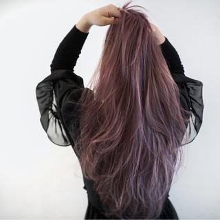 ゆるふわ ロング スモーキーカラー ハイトーン ヘアスタイルや髪型の写真・画像