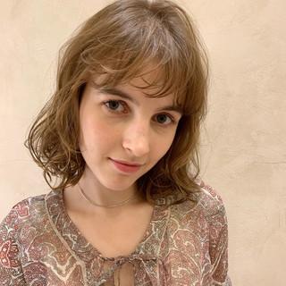 コテ巻き ボブ コテ巻き風パーマ ガーリー ヘアスタイルや髪型の写真・画像