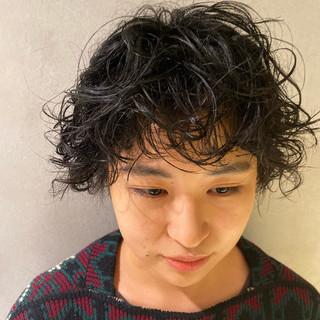 無造作パーマ 前髪パーマ 小顔ショート パーマ ヘアスタイルや髪型の写真・画像