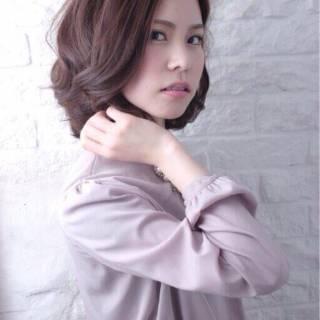 センターパート フェミニン モテ髪 ミディアム ヘアスタイルや髪型の写真・画像