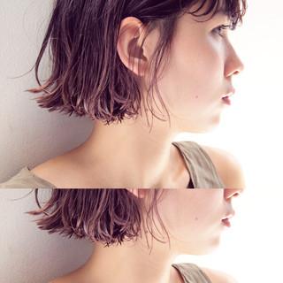 ショート ボブ 切りっぱなし 暗髪 ヘアスタイルや髪型の写真・画像