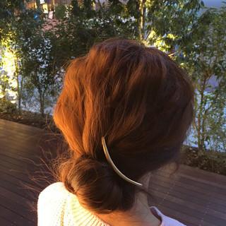 ラフ お団子 ゆるふわ セミロング ヘアスタイルや髪型の写真・画像 ヘアスタイルや髪型の写真・画像