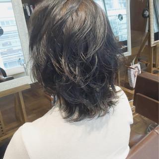 黒髪 レイヤーカット ミディアム 大人かわいい ヘアスタイルや髪型の写真・画像