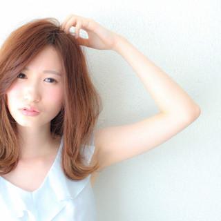 ヘアアレンジ アンニュイ 外ハネ ミディアム ヘアスタイルや髪型の写真・画像