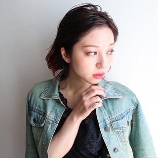 グラデーションカラー 個性的 レッド ロブ ヘアスタイルや髪型の写真・画像