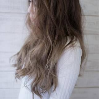 大人かわいい グレージュ ゆるふわ フェミニン ヘアスタイルや髪型の写真・画像