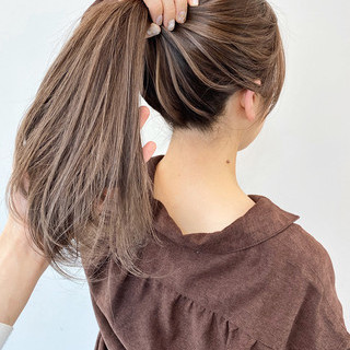 ミルクティーアッシュ ベージュ ハイライト ミルクティーベージュ ヘアスタイルや髪型の写真・画像