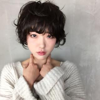 大人かわいい フェミニン アンニュイ ショートボブ ヘアスタイルや髪型の写真・画像