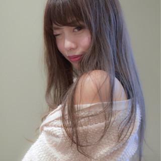 ロング デート グレージュ 透明感 ヘアスタイルや髪型の写真・画像