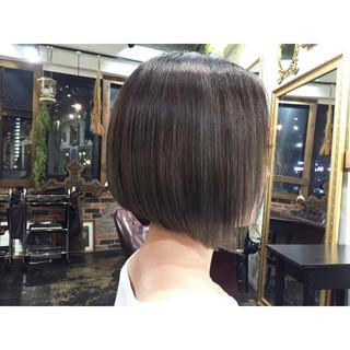 前下がり ボブ グラデーションカラー グレージュ ヘアスタイルや髪型の写真・画像 ヘアスタイルや髪型の写真・画像