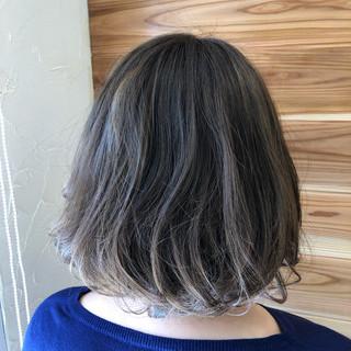 ボブ ハイライト 暗髪 ナチュラル ヘアスタイルや髪型の写真・画像