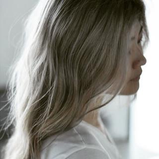 外国人風カラー ブリーチ ヘアアレンジ デート ヘアスタイルや髪型の写真・画像