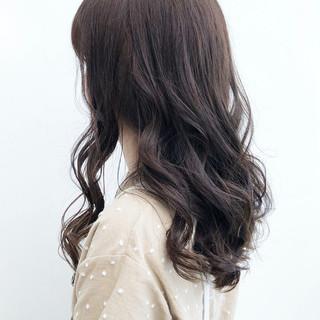 パーマ ロング デジタルパーマアディクシーカラー デート ヘアスタイルや髪型の写真・画像