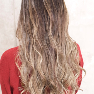 ロング 外国人風カラー ハイトーン グラデーションカラー ヘアスタイルや髪型の写真・画像