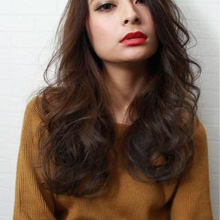 エレガント 上品 グラデーションカラー アッシュベージュ ヘアスタイルや髪型の写真・画像
