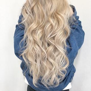 ブロンドカラー ブリーチ エレガント ロング ヘアスタイルや髪型の写真・画像