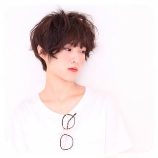 レイヤーカット アッシュ アンニュイ ショート ヘアスタイルや髪型の写真・画像
