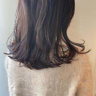 くすみカラー ナチュラル ウルフカット ブラウンベージュ ヘアスタイルや髪型の写真・画像