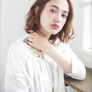 ゆるふわ 外国人風 パーマ フェミニン ヘアスタイルや髪型の写真・画像 ヘアスタイルや髪型の写真・画像