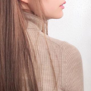 デート 透明感カラー ナチュラル ロング ヘアスタイルや髪型の写真・画像 ヘアスタイルや髪型の写真・画像