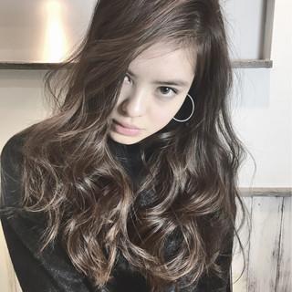 外国人風 モード パーマ ロング ヘアスタイルや髪型の写真・画像 ヘアスタイルや髪型の写真・画像