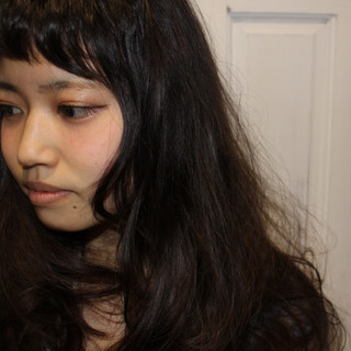ナチュラル 外国人風 黒髪 前髪あり ヘアスタイルや髪型の写真・画像