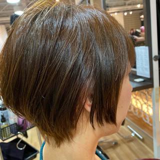ショート ショートヘア ウルフカット 切りっぱなしボブ ヘアスタイルや髪型の写真・画像