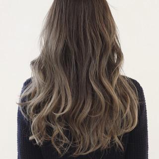 外国人風 抜け感 グラデーションカラー ロング ヘアスタイルや髪型の写真・画像
