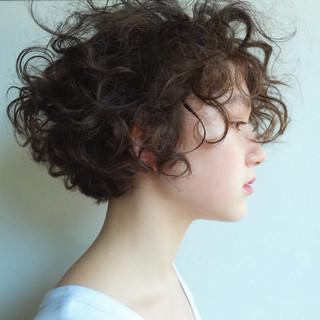 くせ毛風 ガーリー ショートボブ ショート ヘアスタイルや髪型の写真・画像