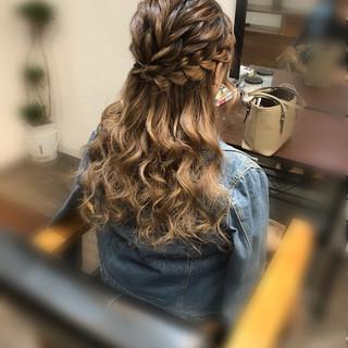 ハーフアップ フェミニン 結婚式 ヘアアレンジ ヘアスタイルや髪型の写真・画像