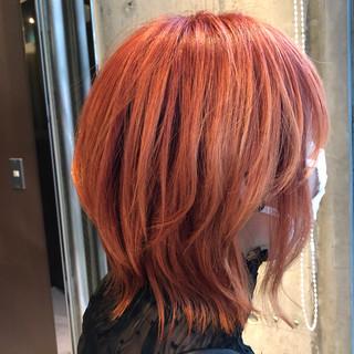 ウルフカット モード 派手髪 オレンジカラー ヘアスタイルや髪型の写真・画像